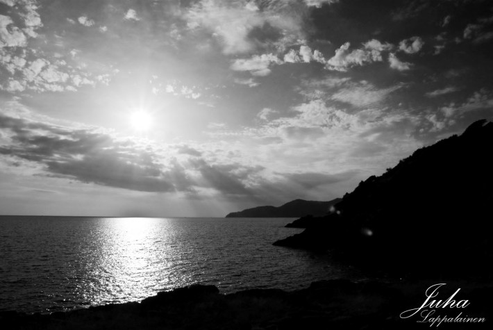 Rays of Light in black and white